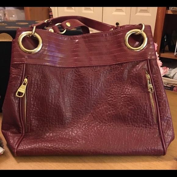 Steve Madden Handbags - STEVE MADDEN BURGUNDY TAFFEY TOTE BAG NWOT